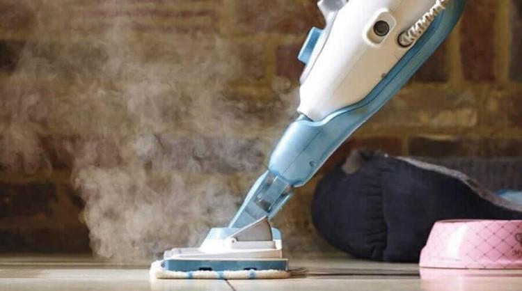Benefits of Putting Vinegar in Your Steam Mop